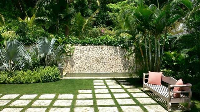 Outdoor Garden Decor & Budget Friendly DIY Garden Decor Ideas - Outdoor Garden Decor