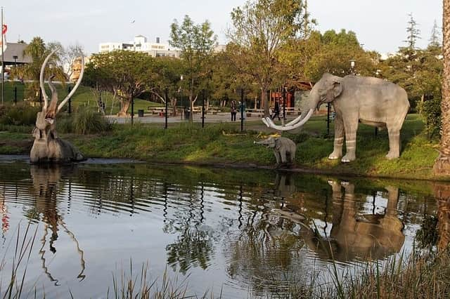 Page Museum and La Brea Tar Pits - Los Angeles Places