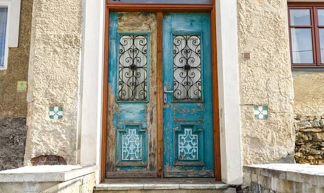 Simple & Old Door Design