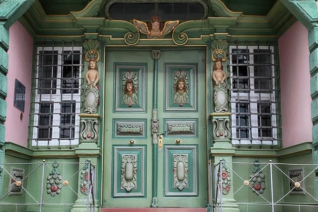 fancy & Beautiful Door Design for Wood